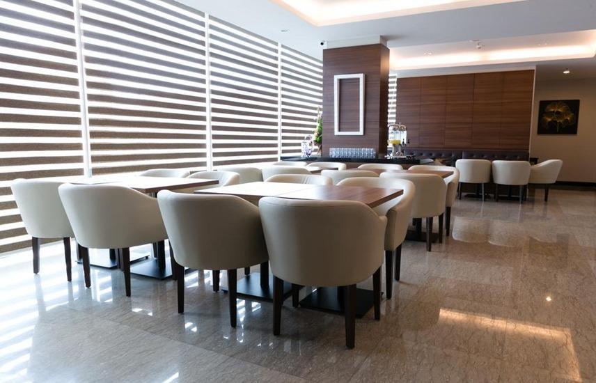The One Hotel Makassar - Restaurant