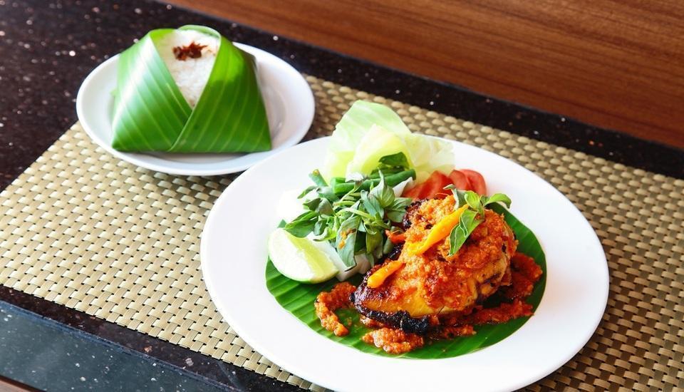 The One Hotel Makassar - Food