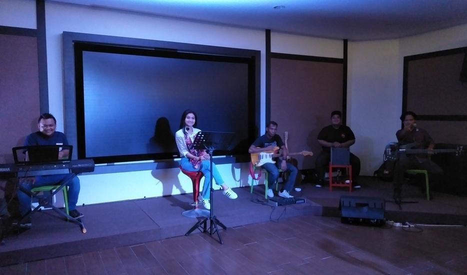 MaxOne Hotel Belitung - SKYMAX LIVE MUSIC