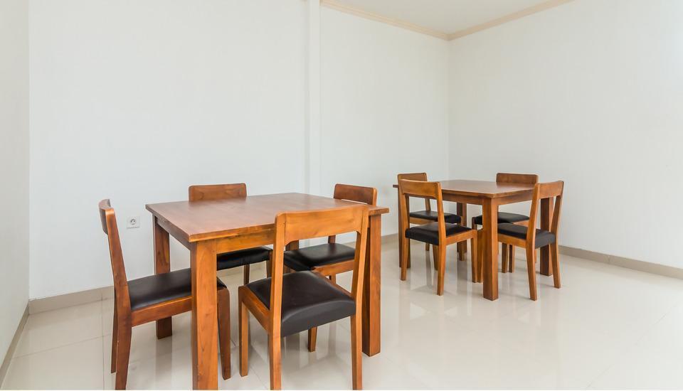 ZenRooms Kerobokan Persada - Restoran