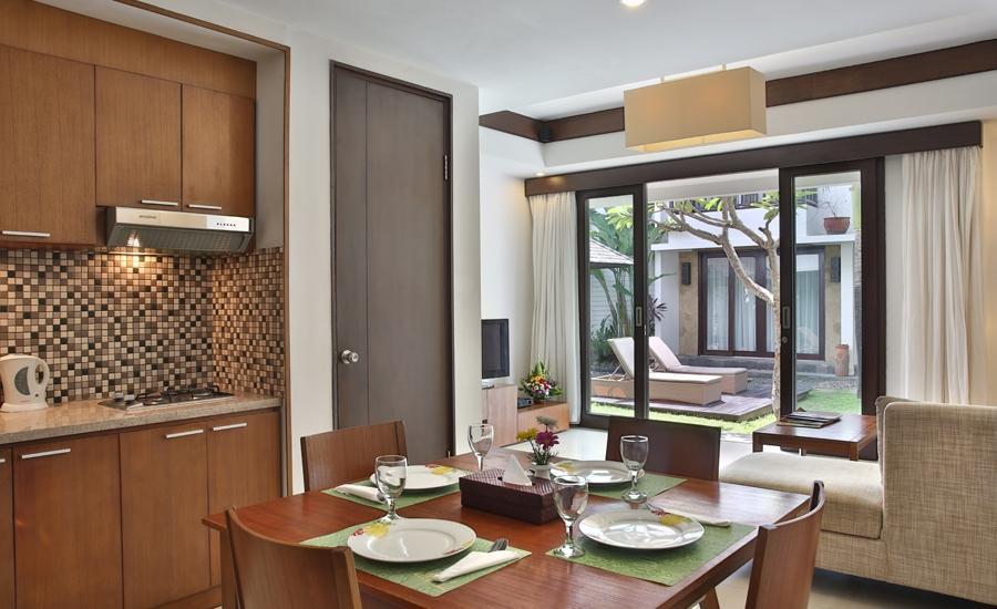 Seminyak Town House Bali - Ruang makan