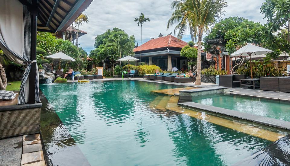 ZEN Premium Raya Legian Bali - Kolam Renang