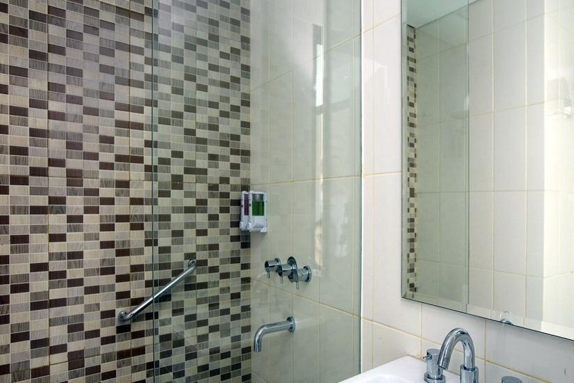 Hotel Amaris Madiun - Kamar mandi