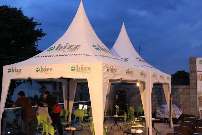 eBizz Hotel Jember - Teras