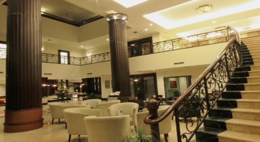Swiss-Belhotel Tarakan - lobby