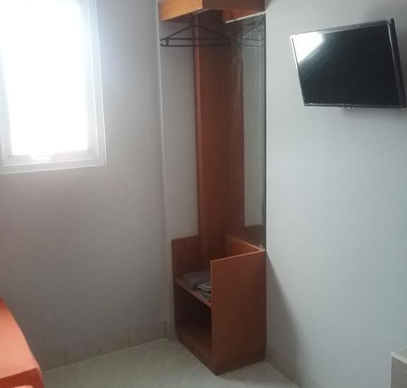Budi House & Food Station Bandung - Economy Room - Double Bed Regular Plan
