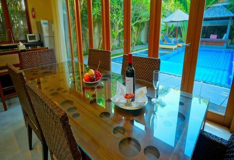 Villa Travis Bali - Ruang makan