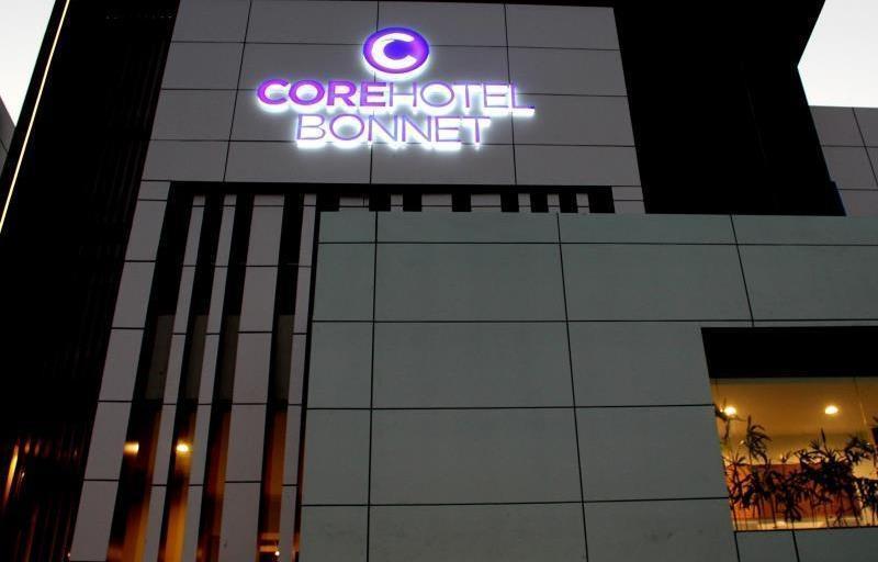 Core Hotel Bonnet Surabaya - Eksterior
