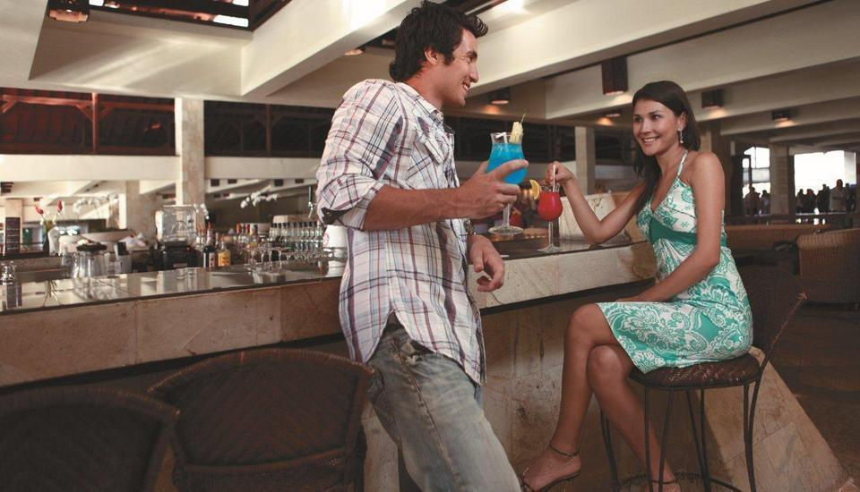 Discovery Kartika Plaza Hotel Bali - Sunset Lounge