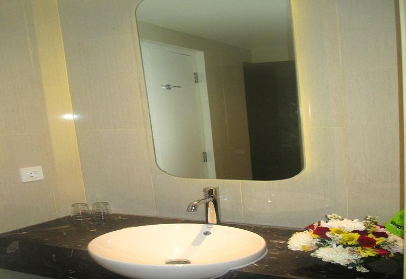 MaxOneHotels Glodok - Bath (Warmth)
