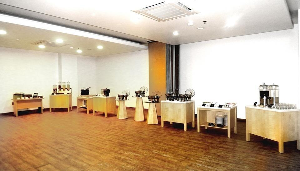 MaxOneHotels Glodok - Meeting Room