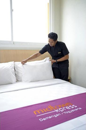 Midtown Xpress Demangan Jogja - Guestroom