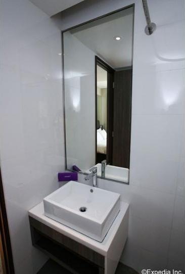 Review Hotel Aqueen Jalan Besar Hotel (Singapore)