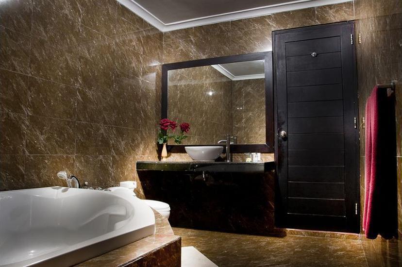 Sindhu Mertha Suite Bali - Bathroom