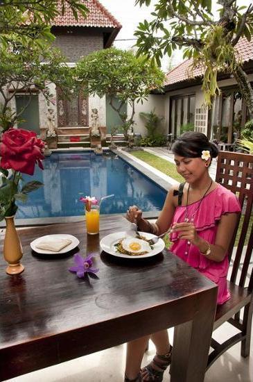 Sindhu Mertha Suite Bali - Outdoor Dining