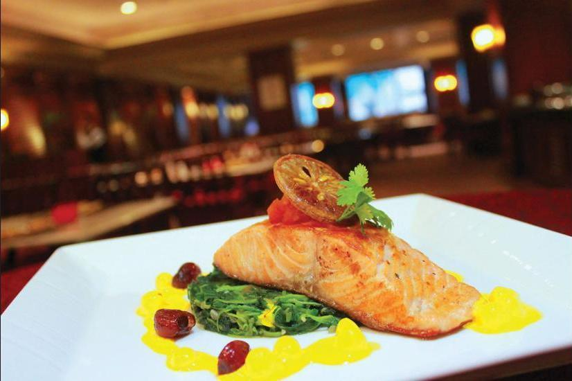 Crowne Plaza Hotel Jakarta - Food and Drink