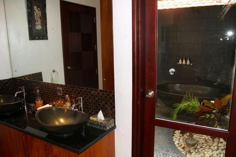 Jimbaran Cliffs Private Hotel & Spa Bali - Bathroom Sink
