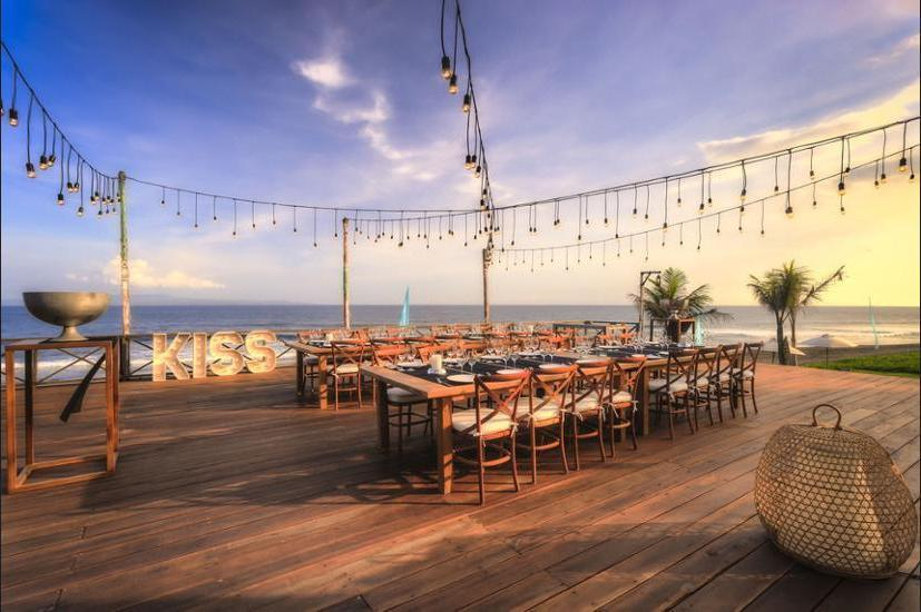 Komune Resort & Beach Club Bali - Dining