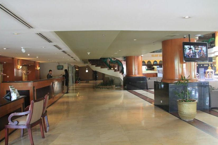 Somerset Surabaya Hotel Surabaya - Lobby