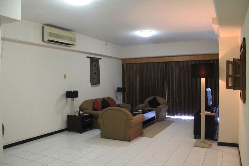 Somerset Surabaya Hotel Surabaya - Living Area