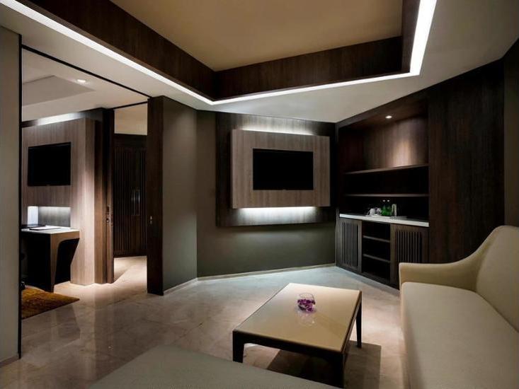 Grand Mercure Kemayoran Jakarta - Hotel Front