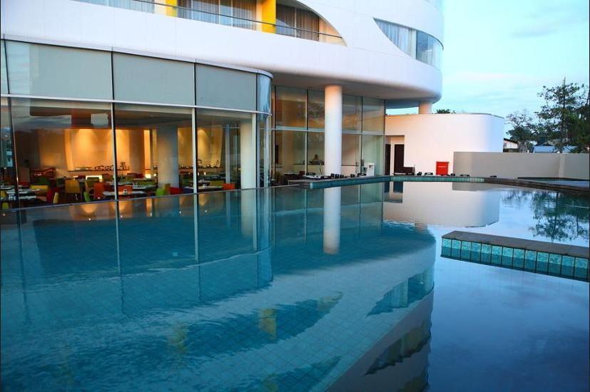 Sensa Hotel Bandung - Outdoor Pool