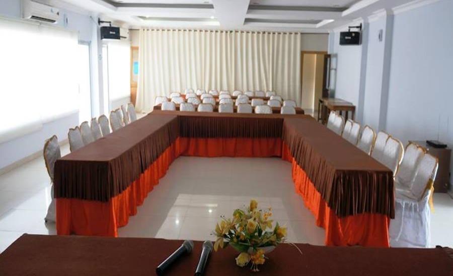 Edotel Minangkabau Padang - Ruang Rapat