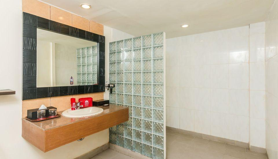 ZenRooms Kuta Kartika Plaza 2 - Kamar mandi