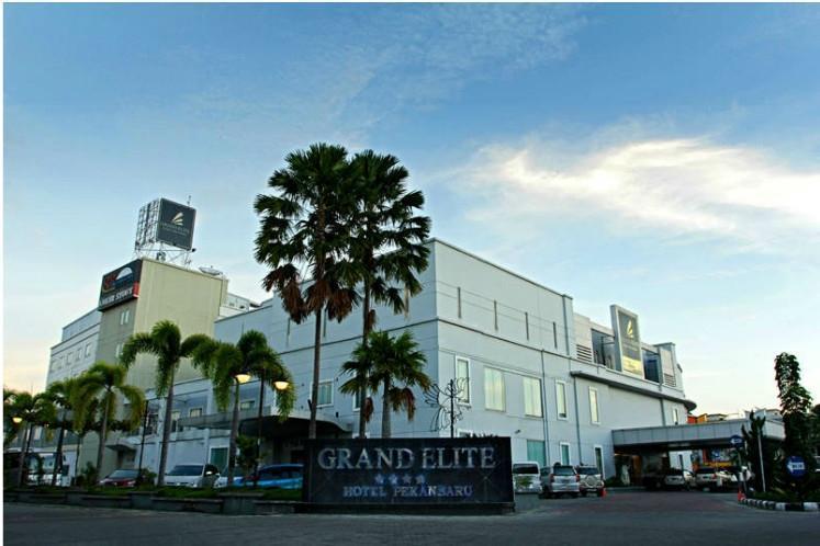 Grand Elite Hotel Pekanbaru - Tampilan Hotel.