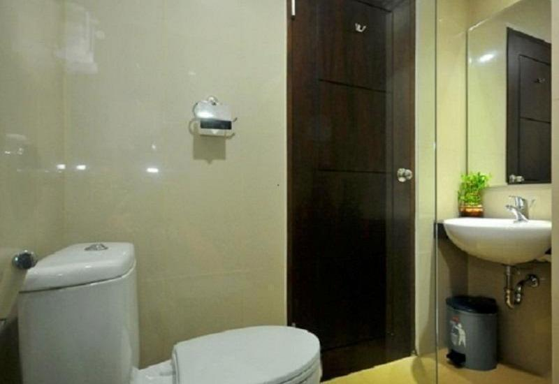 Pratama Hotel and Convention Lombok - Kamar mandi