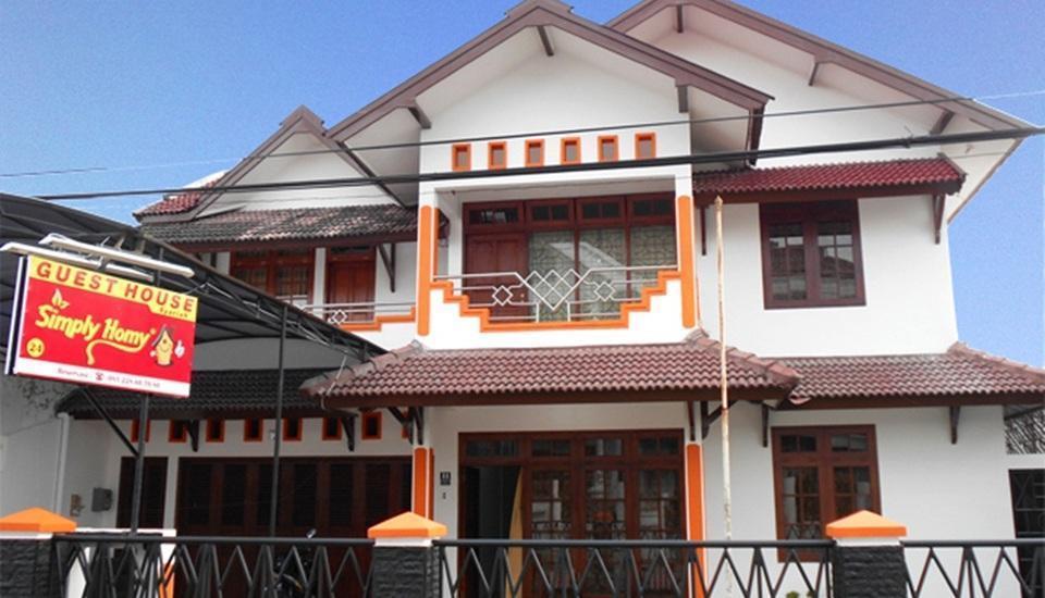 Simply Homy Guest House Jakal 2 Yogyakarta - Tampilan Luar Hotel