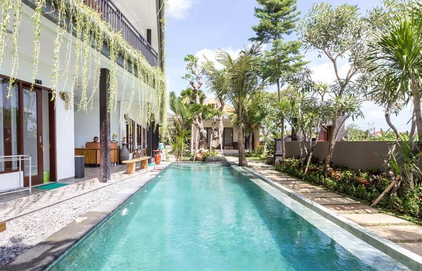 RedDoorz @ Tibubeneng Canggu Bali - Kolam Renang