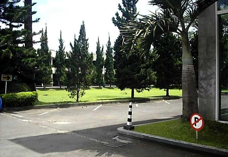 Grand Hotel Lembang - Parking Area