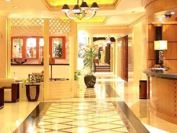 Hotel Ambhara Blok M - Lobi