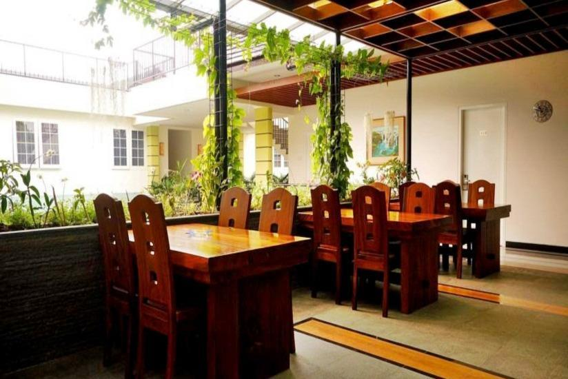 Ottenville Boutique Hotel Bandung - Ruang makan