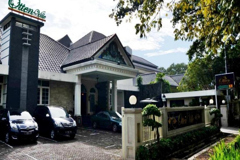 Ottenville Boutique Hotel Bandung - Tampilan Luar Hotel