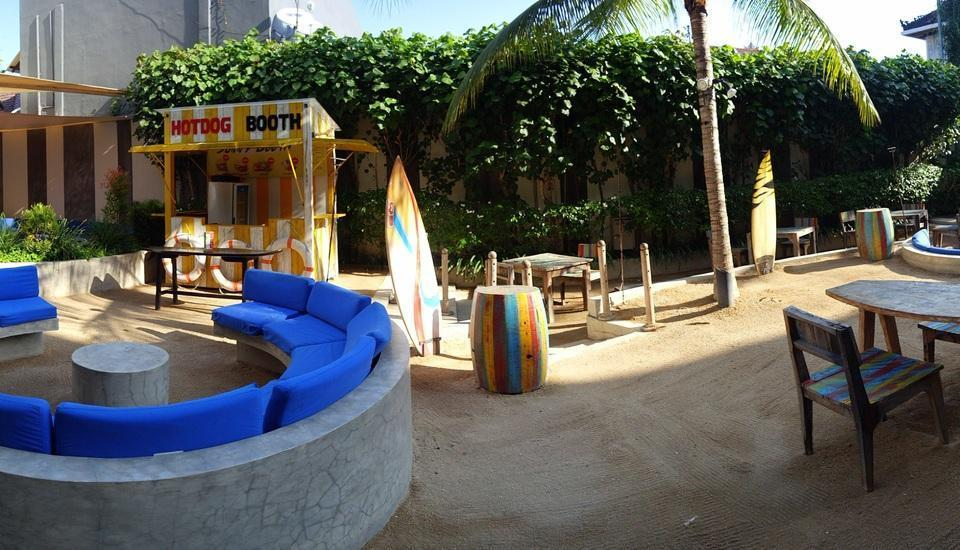 Bliss Surfer Thematic Hotel Bali - Floater pasir (oleh cumilebay.com Anda)