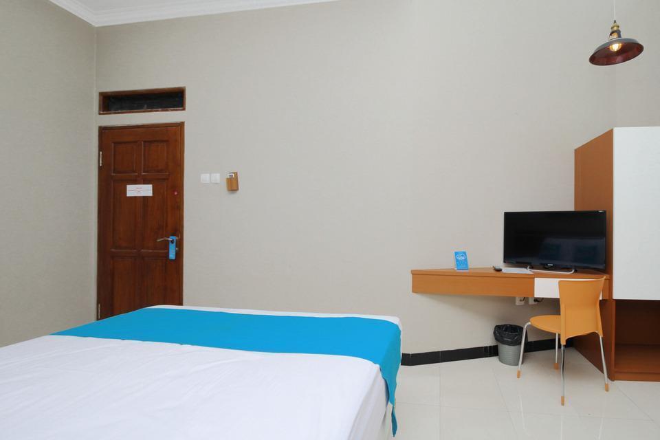 Airy Syariah Buah Batu Sanggar Kencana Satu 14 Bandung Bandung - Superior Double Room with Breakfast Special Promo Jan 5
