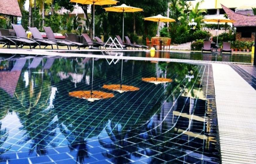 Batam View Beach Resort Nongsa - Kolam Renang