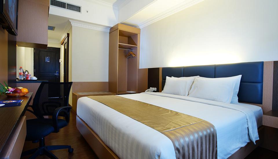 D'Senopati Malioboro Grand Hotel Yogyakarta - Deluxe King Bed