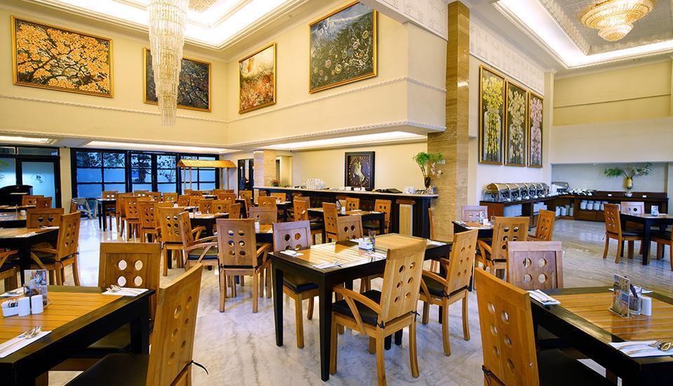 D'Senopati Malioboro Grand Hotel Yogyakarta - Restaurant