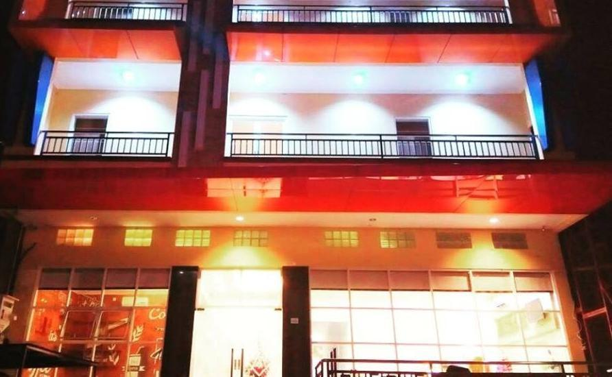 Mel's Inn Manado - Gedung