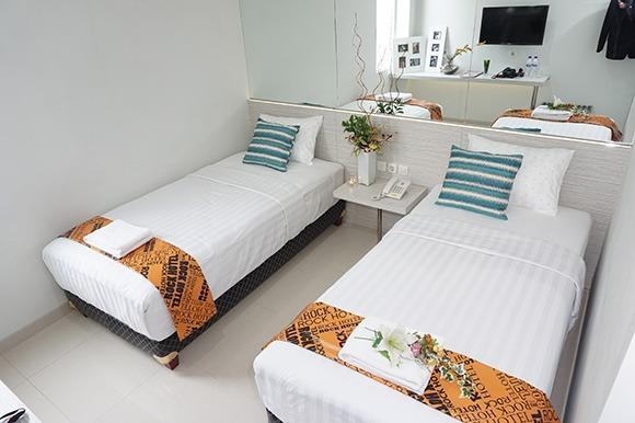 Rock Hotel Surabaya - Twin Bed