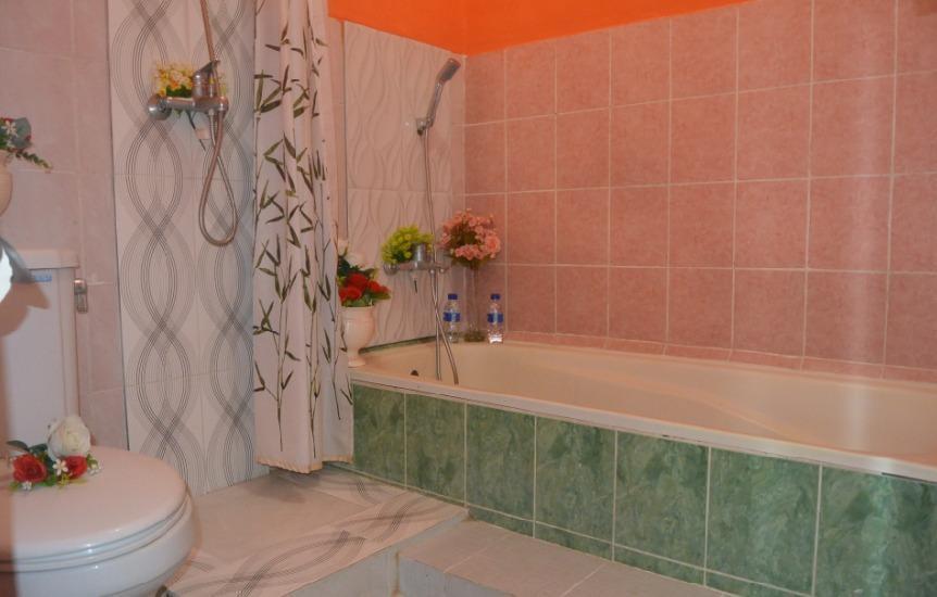 Nitada Hotel & Residence Yogyakarta - bak mandi