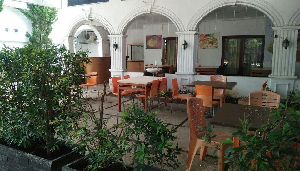 Hotel Ranah Bundo Padang - resto