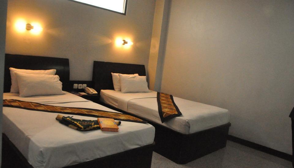 Riez Palace Hotel Tegal - Deluxe Room Regular Plan