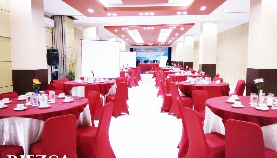 Riez Palace Hotel Tegal - Riezca Meeting Room
