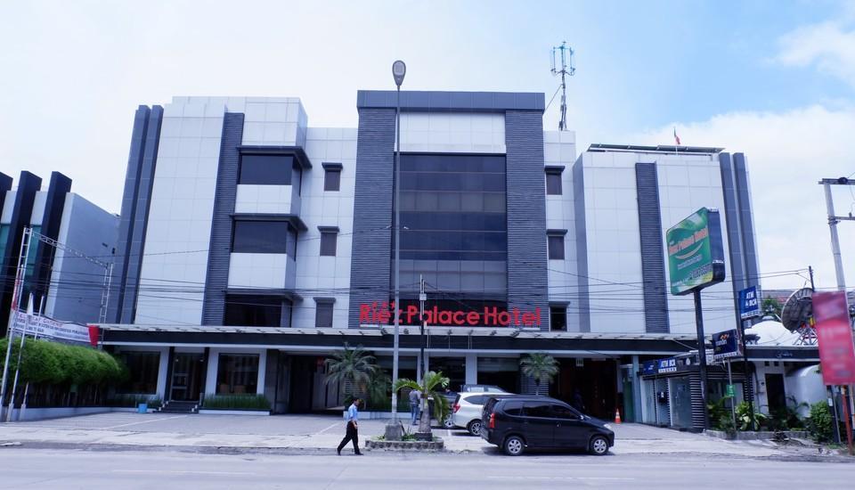 Riez Palace Hotel Tegal - Tampak Depan Hotel