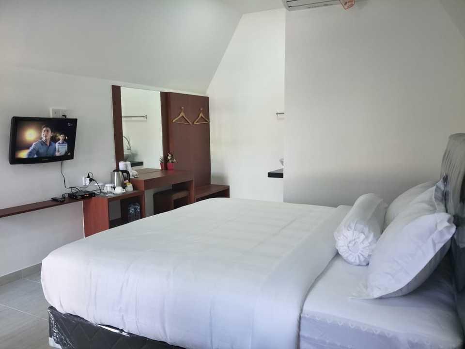Madu Tiga Beach & Resort Bintan - Deluxe Room Regular Plan