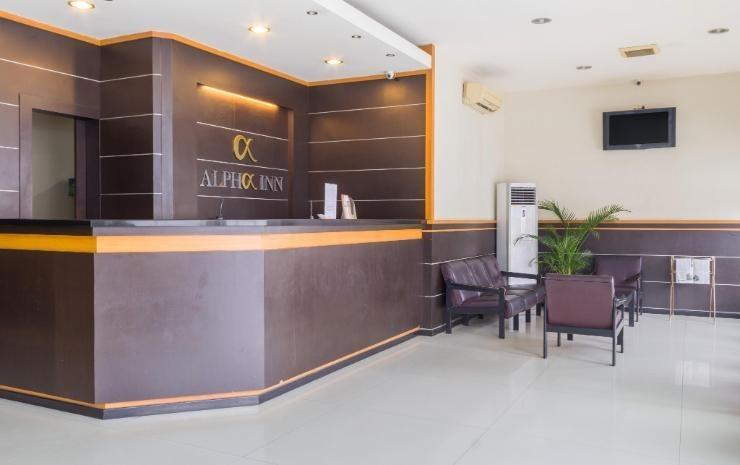 Alpha Inn Medan - Resepsionis